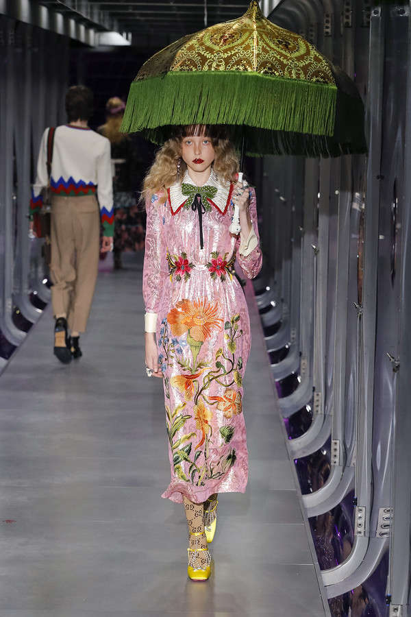 gucci-fw17-rtw-fall-winter-2017-2018-collection (74)-floral-dress