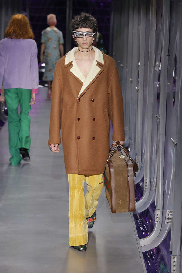 gucci-fw17-rtw-fall-winter-2017-2018-collection (81)-brown-coat