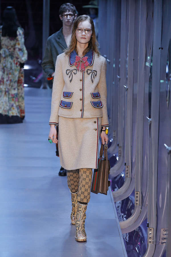 gucci-fw17-rtw-fall-winter-2017-2018-collection (91)-skirt-applique-coat