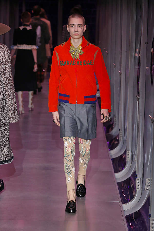 gucci-fw17-rtw-fall-winter-2017-2018-collection (94)-red-jacket