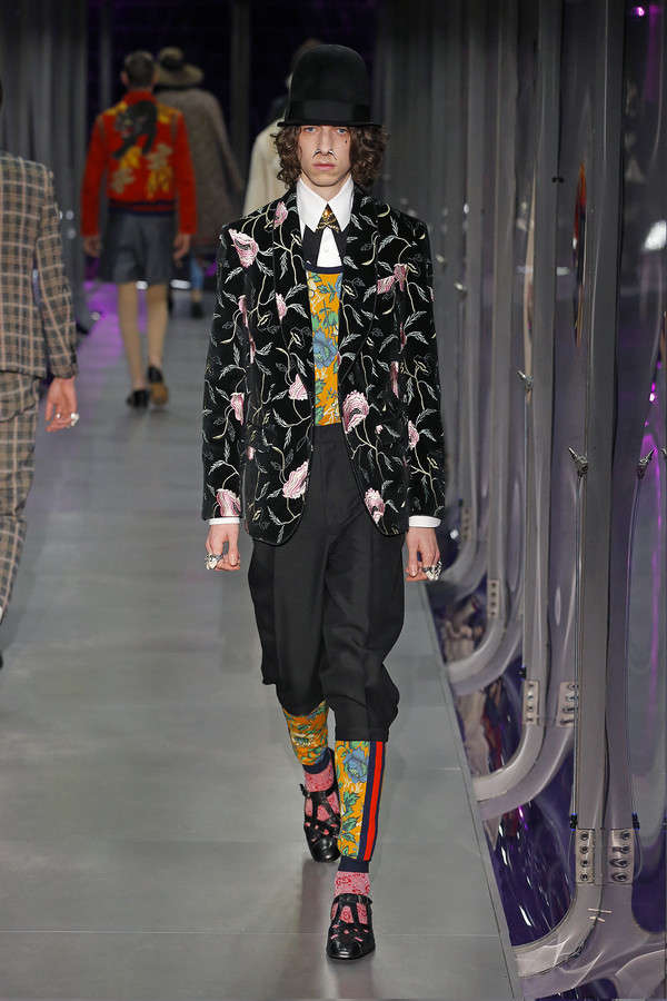 gucci-fw17-rtw-fall-winter-2017-2018-collection (96)-printed-coat