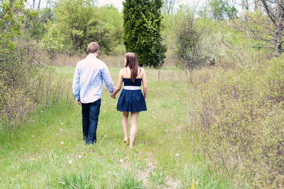 ideas-to-celebrate-valentines-day-walking-holding-hands-backyard