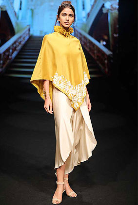 jayanti-reddy-lfw-2017-lakme-fashion-week-summer-resort-collection-1-yellow-top-cropped-pant