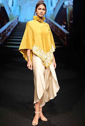 jayanti-reddy-lfw-2017-lakme-fashion-week-summer-resort-collection-1-yellow-top-cropped-pant