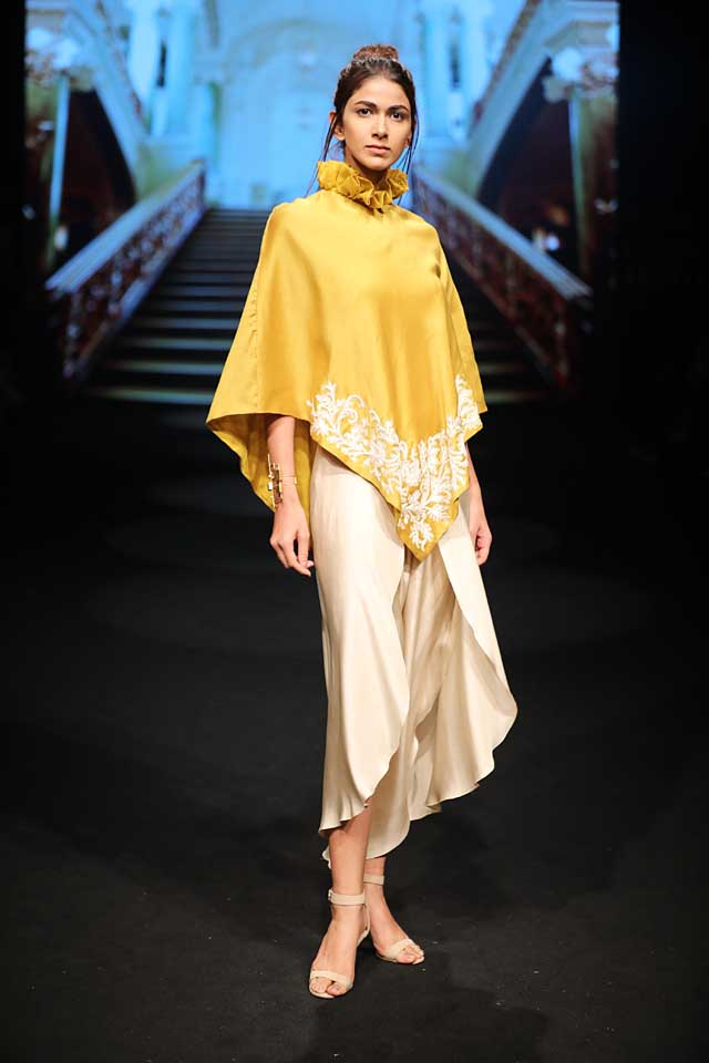 jayanti-reddy-lfw-2017-lakme-fashion-week-summer-resort-collection (1)-yellow-top-cropped-pant