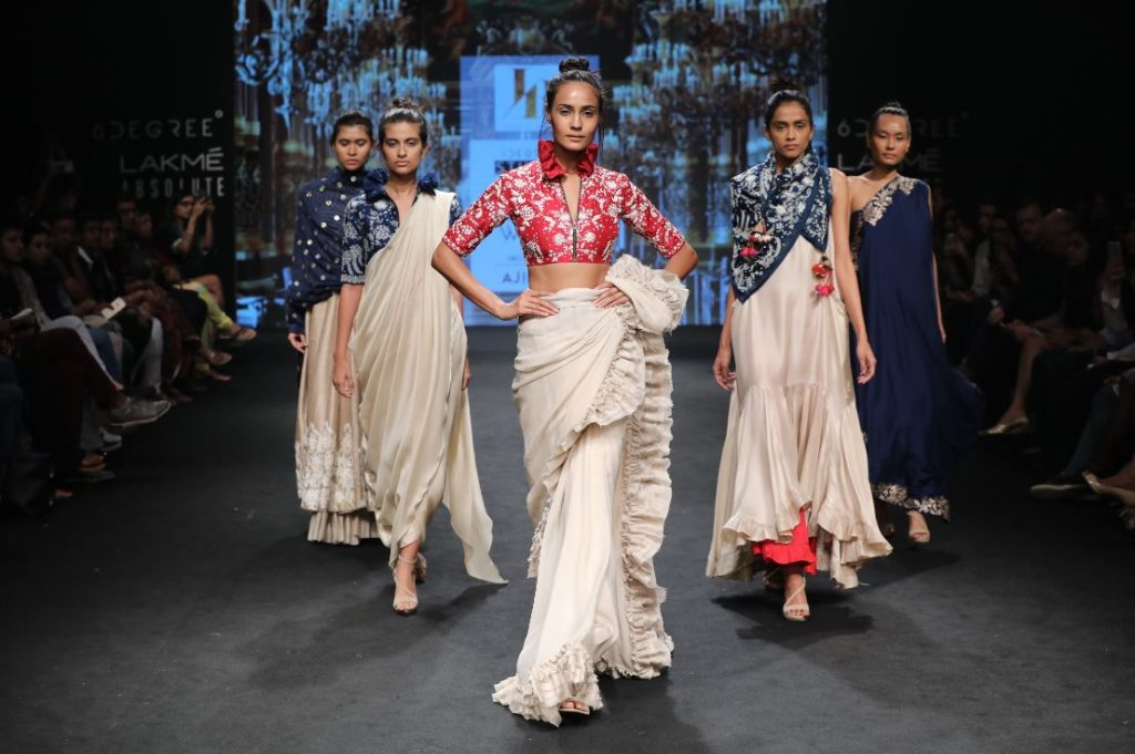 jayanti-reddy-lfw-2017-lakme-fashion-week-summer-resort-collection (5)-blouse-red-saree-frills