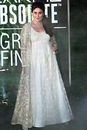 kareena-kapoor-anita-dongre-summer-resort-2017-lakme-fashion-week-dress-indowestern-gown-white-showstopper