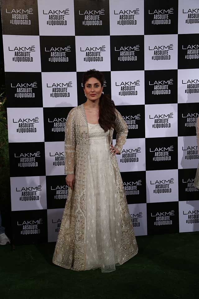 kareena-kapoor-showstopper-anita-dongre-summer-resort-2017-lakme-fashion-week-dress-gown-white-gold-jacket