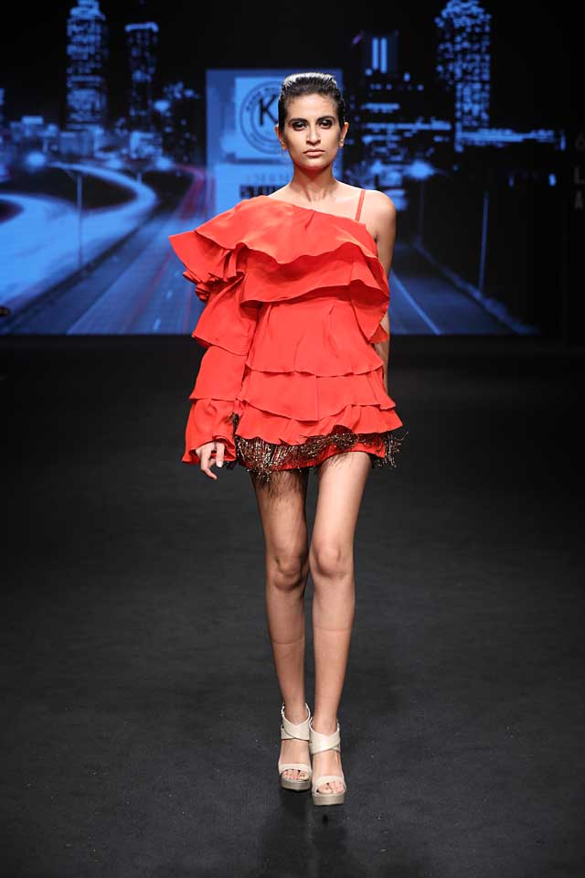 karn-malhotra-lfw-sr17-lakme-fashion-week-summer-resort-2017 (2) - red-sexy-mini-dress
