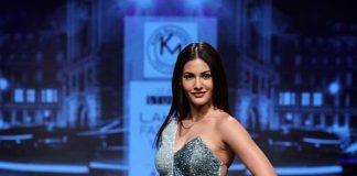 karn-malhotra-lfw-sr17-lakme-fashion-week-summer-resort-2017 (3) -Amyra Dastur