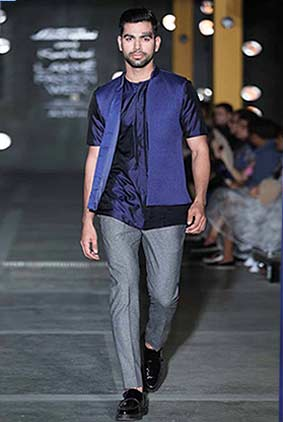 kunal-rawal-casual-wear-lakme-fashion-week-2017-navy-blue-waistcoat
