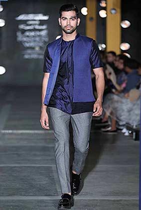 kunal-rawal-casual-wear-lakme-fashion-week-2017-navy-blue-waistcoat