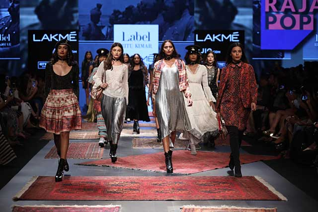 lakme-fashion-week-2017-ritu-kumar-finale-look-printed-dresses