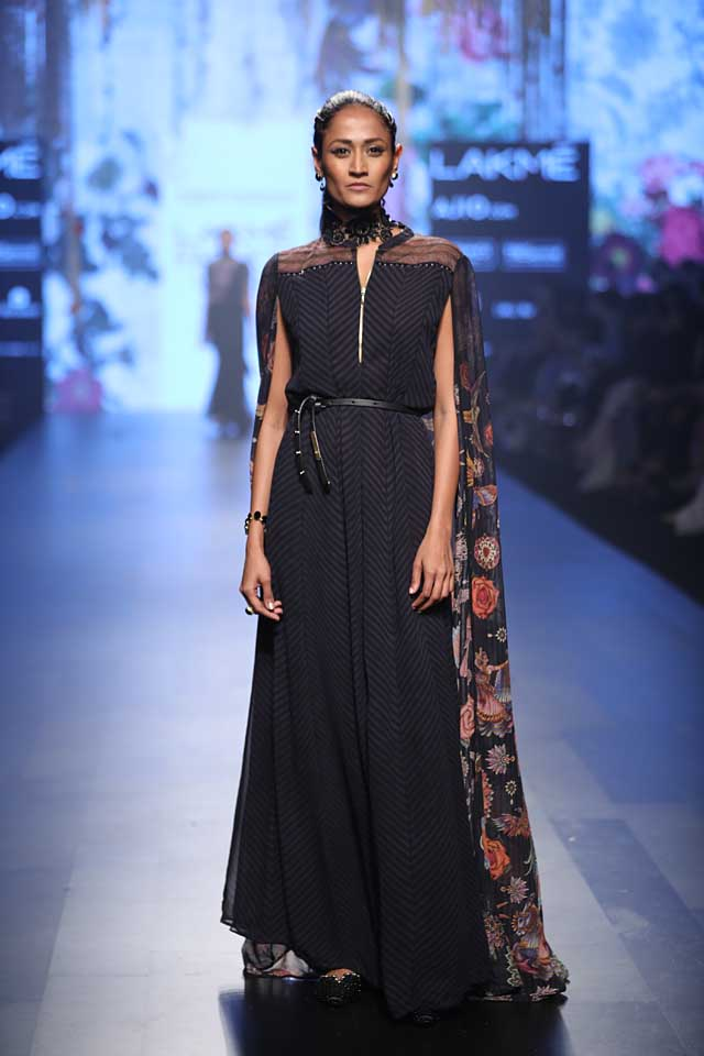 lakme-fashion-week-2017-tarun-tahiliani-collection-black-dress