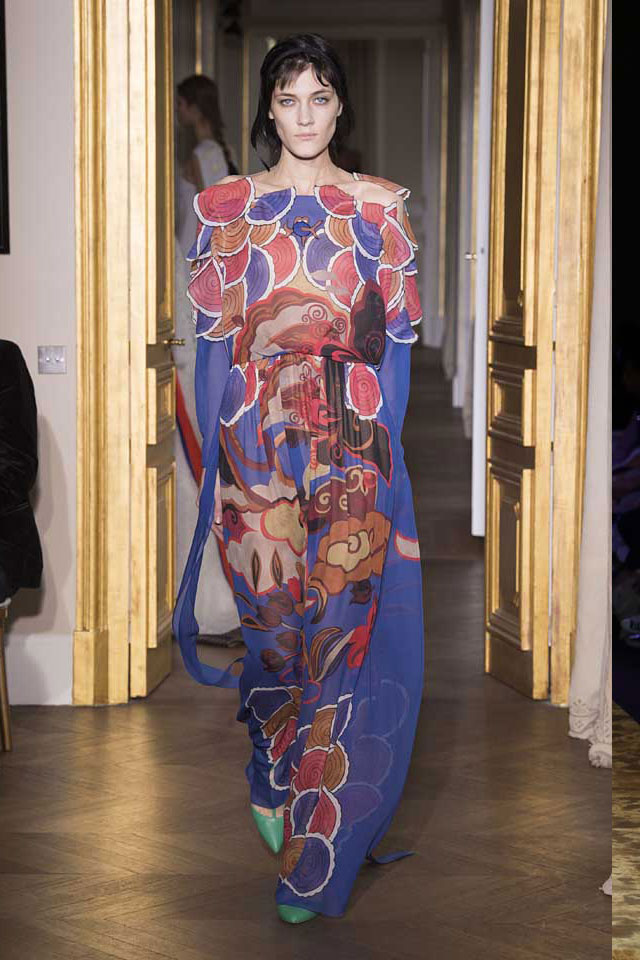 latest-gown-trends-2017-Schiaparelli-SS17-spring-summer-2017-couture-23-blue-pattern-gown