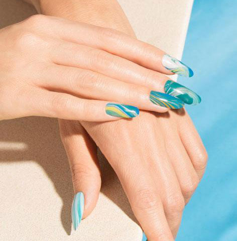 latest-trends-in-nail-art-spring-summer-2017-ideas-opi-sea-green-nail-paint-wavy-effect