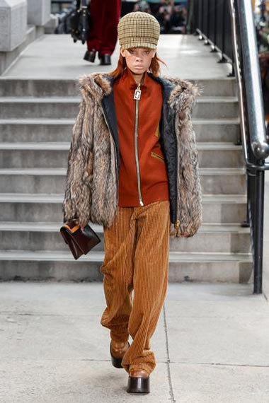 marc-jacobs-fw17-fall-winter-2017-18-outfit-collection (31)-pant-sweater-coat