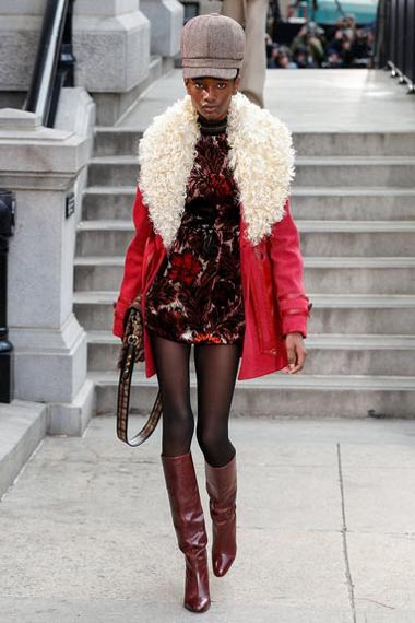marc-jacobs-fw17-fall-winter-2017-18-outfit-collection (35)-printed-dress-fur-detail-jacket
