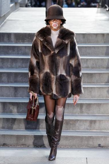 marc-jacobs-fw17-fall-winter-2017-18-outfit-collection (7)-hat-jacket-bag-boots