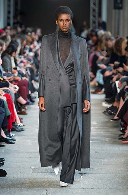 max-mara-fw17-rtw-fall-winter-2017-18-collection (15)-blue-suit