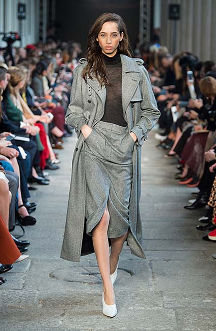 max-mara-fw17-rtw-fall-winter-2017-18-collection (16)-grey-skirt-slit