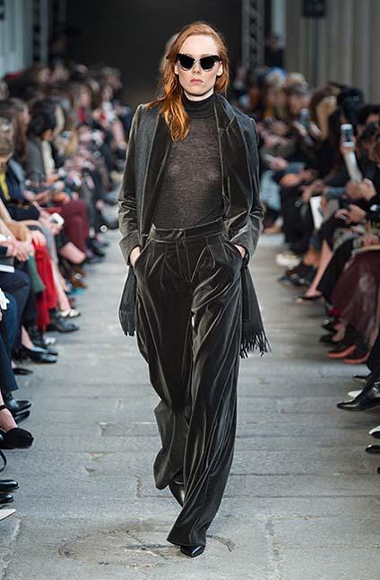 max-mara-fw17-rtw-fall-winter-2017-18-collection (17)-black-velvet-suit