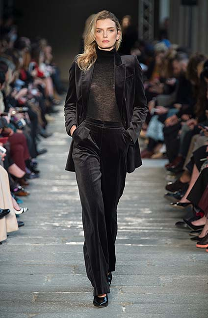 max-mara-fw17-rtw-fall-winter-2017-18-collection (40)-velvet-suit-black