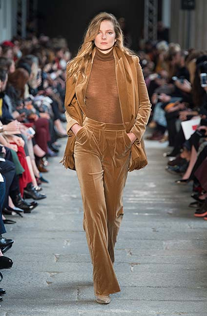 max-mara-fw17-rtw-fall-winter-2017-18-collection (6)-brown-velvet