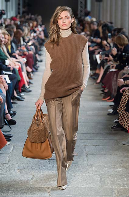 max-mara-fw17-rtw-fall-winter-2017-18-collection (8)-brown-sweater