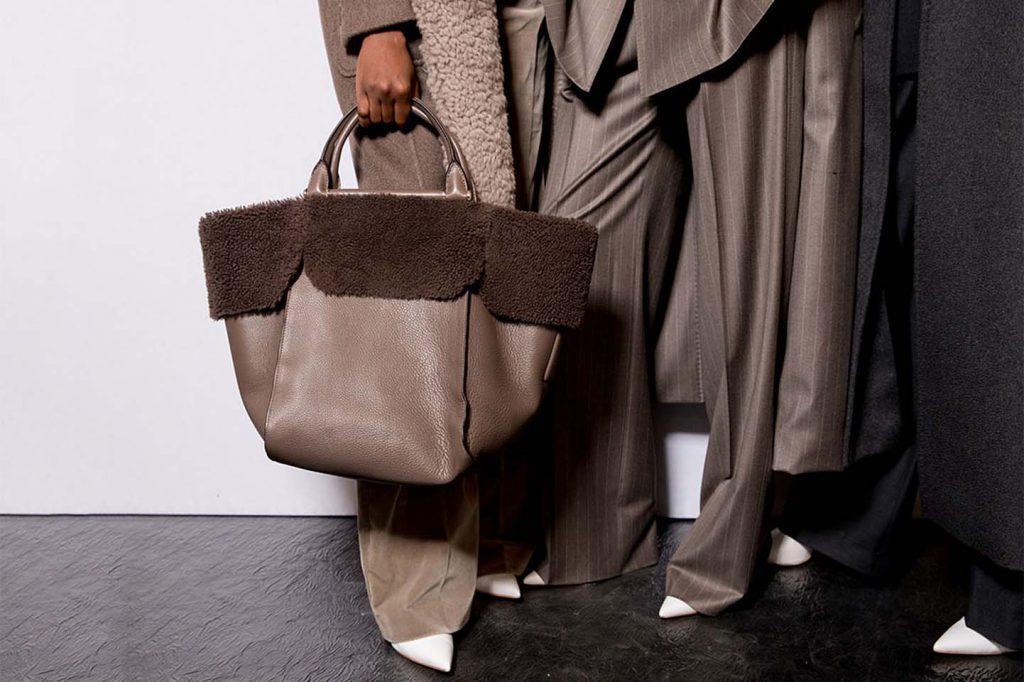 max-mara-fw17-rtw-fall-winter-2017-backstage-beauty-makeup (2)-handbag-bag