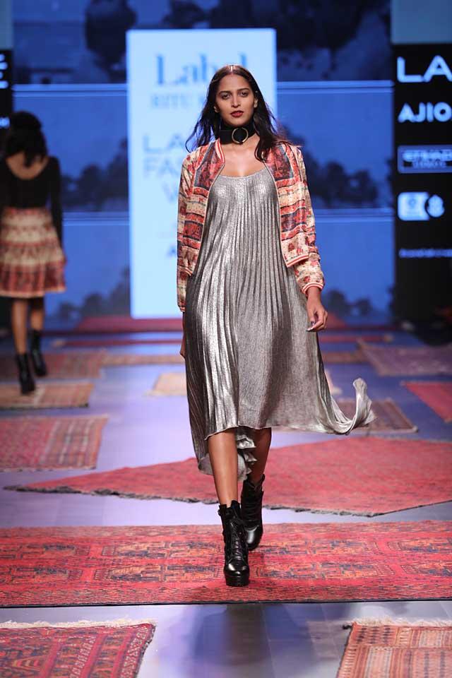 metallic-dress-silver-latest-lakme-fashion-week-2017-ritu-kumar