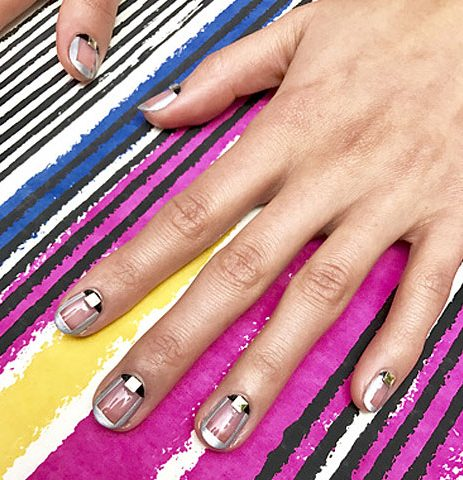 miss-pop-geometric-trend-nail-art-designs-2017-latest-ideas