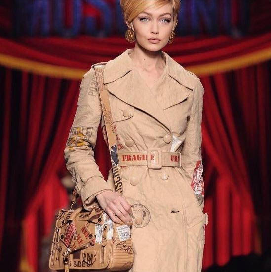moschino fw17-look-fall-winter-2017-18-collection-models-gigi-hadid-runway