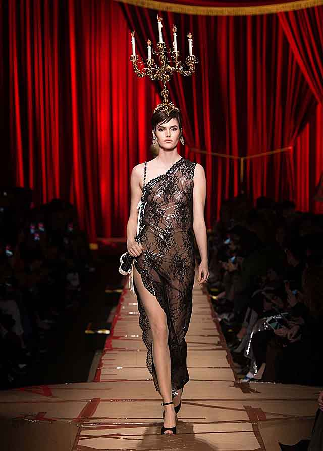 moschino-fw17-rtw-fall-winter-2017-dress-collection-high-slit