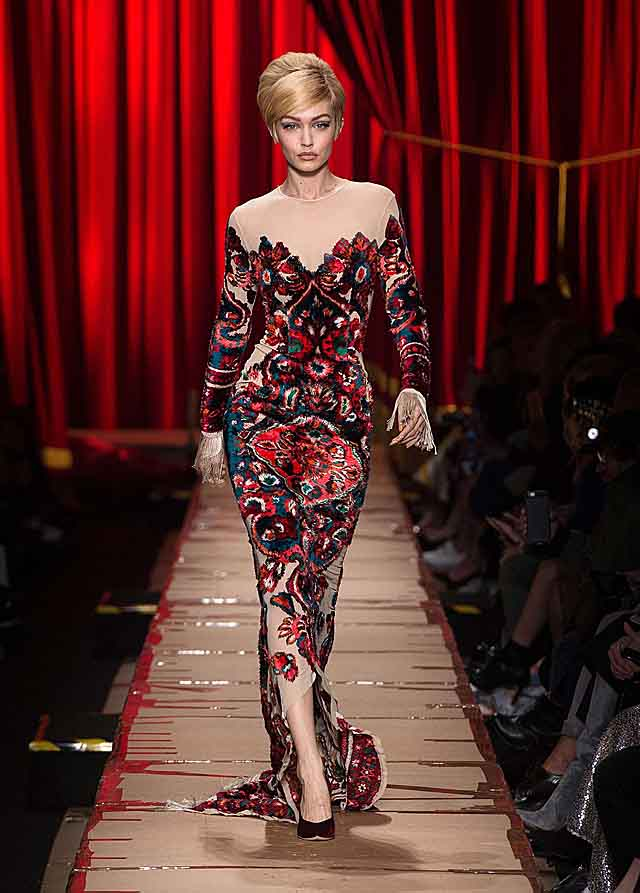 moschino-fw17-rtw-fall-winter-2017-dress-collection-printed-slit-gigi-hadid