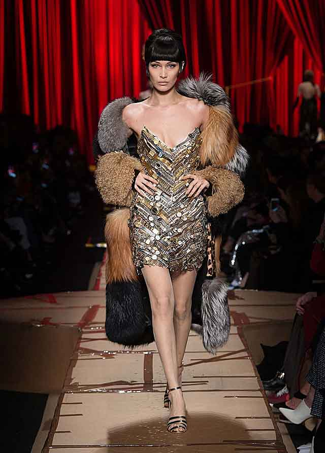 moschino-fw17-rtw-fall-winter-2017-dress-collection-strapless-sequined-dress