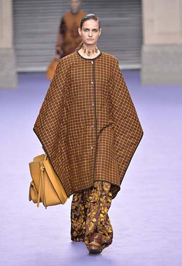 mulberry-fw17-rtw-fall-winter-2017-18-collection-22-poncho-dress-checks