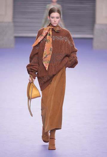 mulberry-fw17-rtw-fall-winter-2017-18-collection-42-brown-velvet-skirt