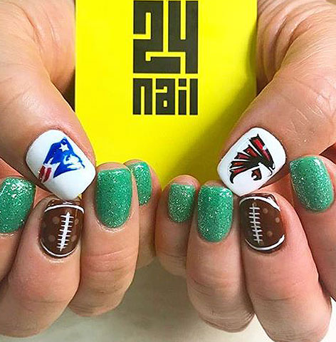 nails-mag-latest-trends-in-nail-art-unique-ideas-green-glitters-brown-nails-2017