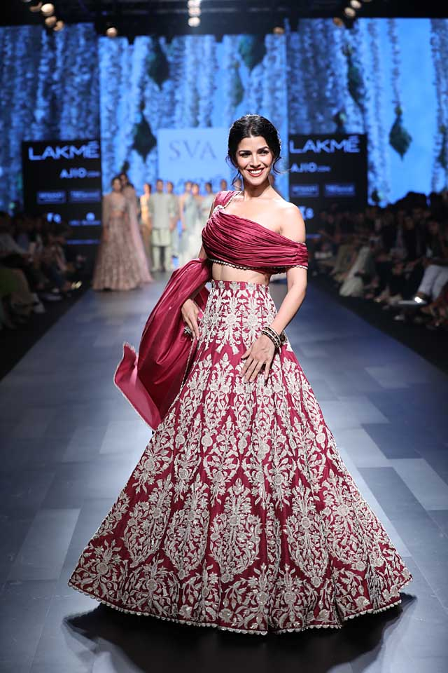 nimrat-kaur-lakme-fashion-week-summer-resort-sva-collection-2017