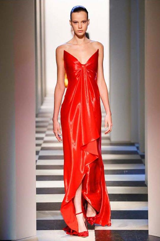 oscar-de-la-renta-fall-winter-2017-fw17-collection-13-red-gown-sexy