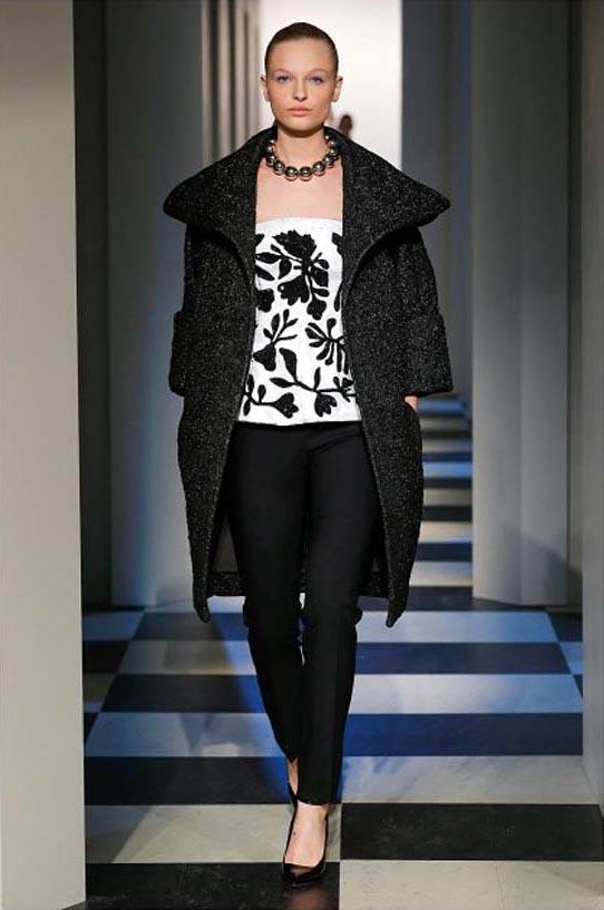 oscar-de-la-renta-fall-winter-2017-fw17-collection-35-black-coat-white-top-black-prints