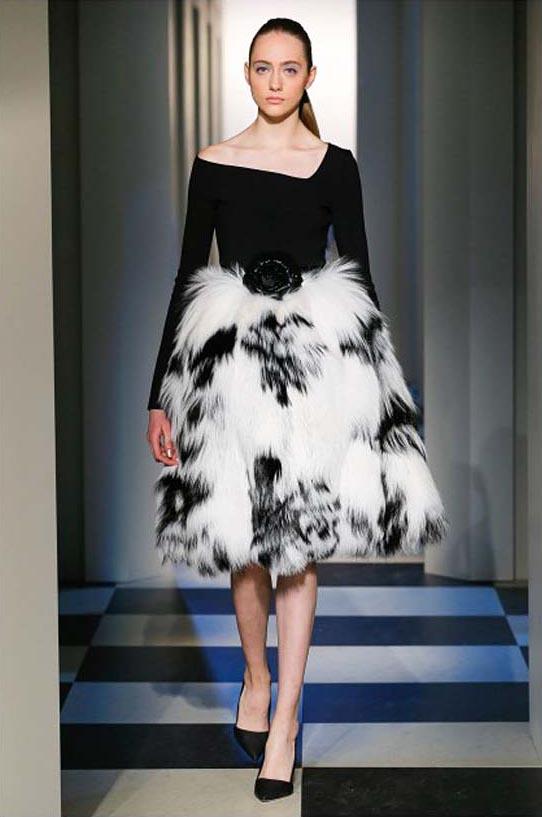 oscar-de-la-renta-fall-winter-2017-fw17-collection-37-fur-detail-dress-neckline