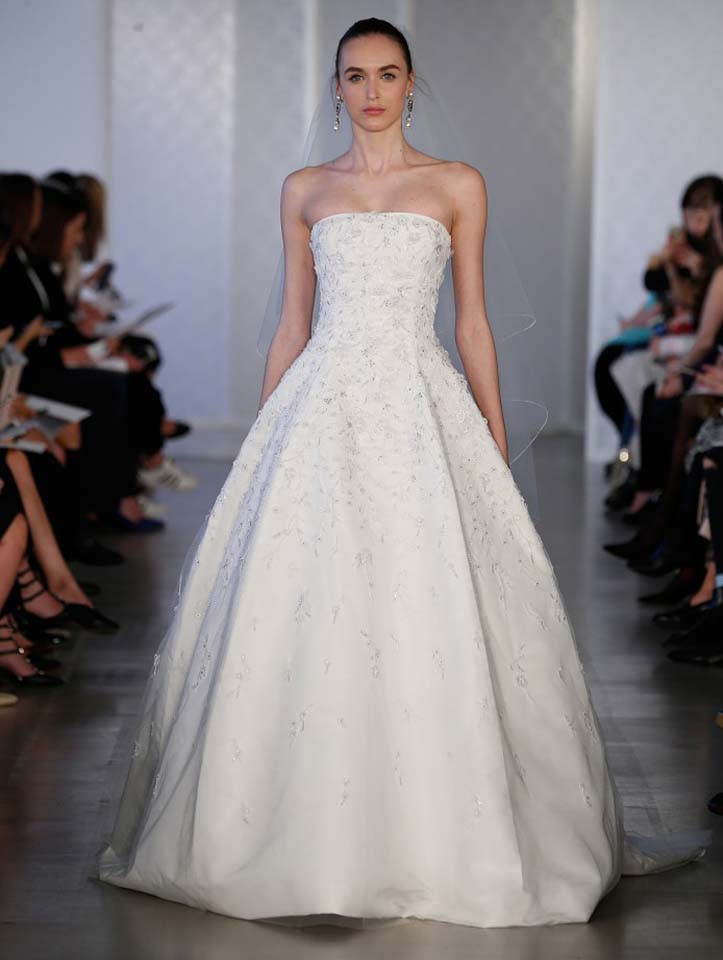 oscar-de-la-renta-spring-2017-s17-bridal-collection- (14)-lace-beautiful-gown