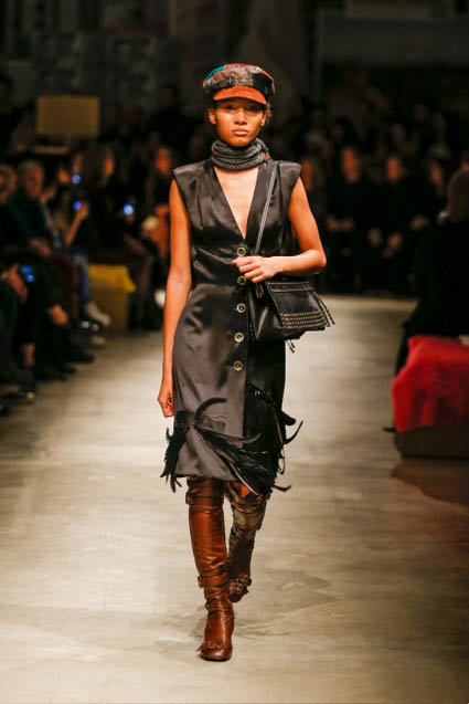 prada-fw17-rtw-fall-winter-2017-18-womenswear-collection (5)-black-dress