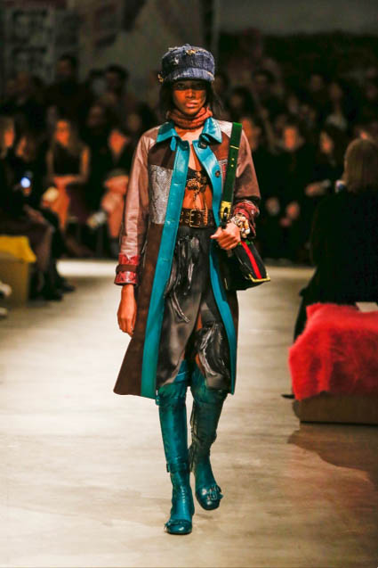 prada-fw17-rtw-fall-winter-2017-18-womenswear-collection (6)-blue-boots