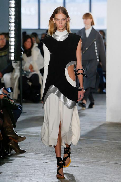 proenza-schouler-fw17-rtw-fall-winter-2017-18-collection (13)-white-black-dress