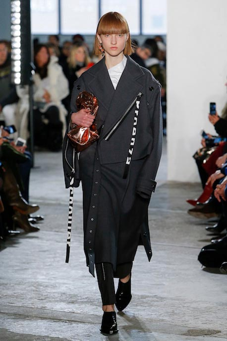 proenza-schouler-fw17-rtw-fall-winter-2017-18-collection (8)-logo-coat