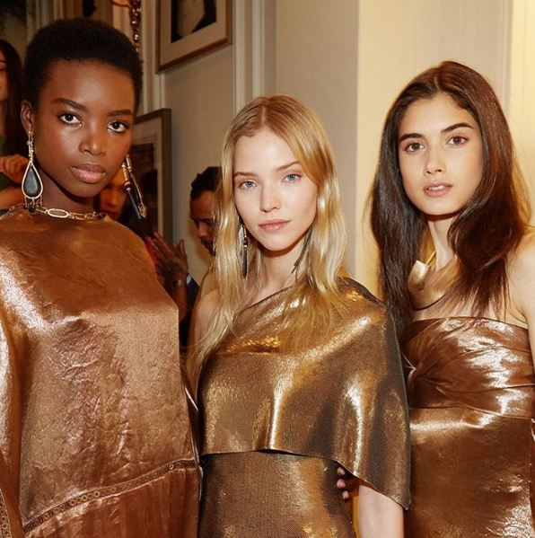 ralph-lauren-fw17-fall-winter-2017-rtw-models-details-makeup-beauty -gold-dresses