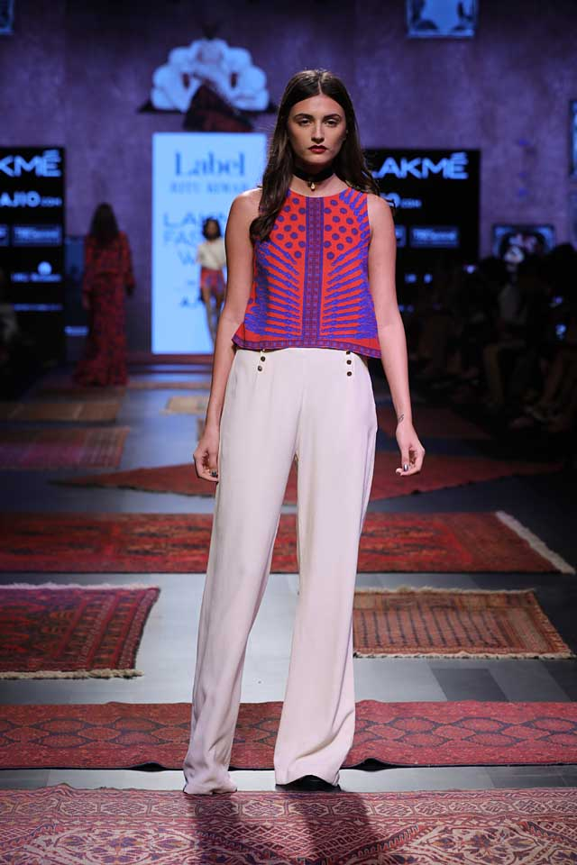 ritu-kumar-lakme-fashion-week-2017-formal-pants-crop-top-printed